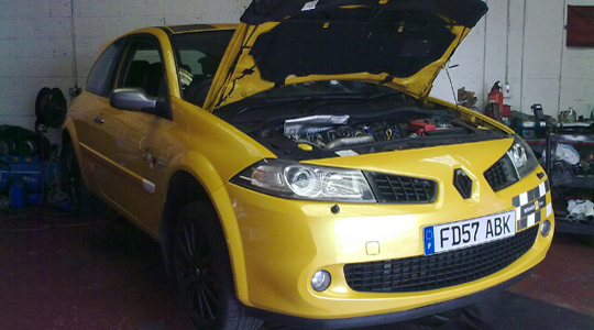 renault servicing in Poole